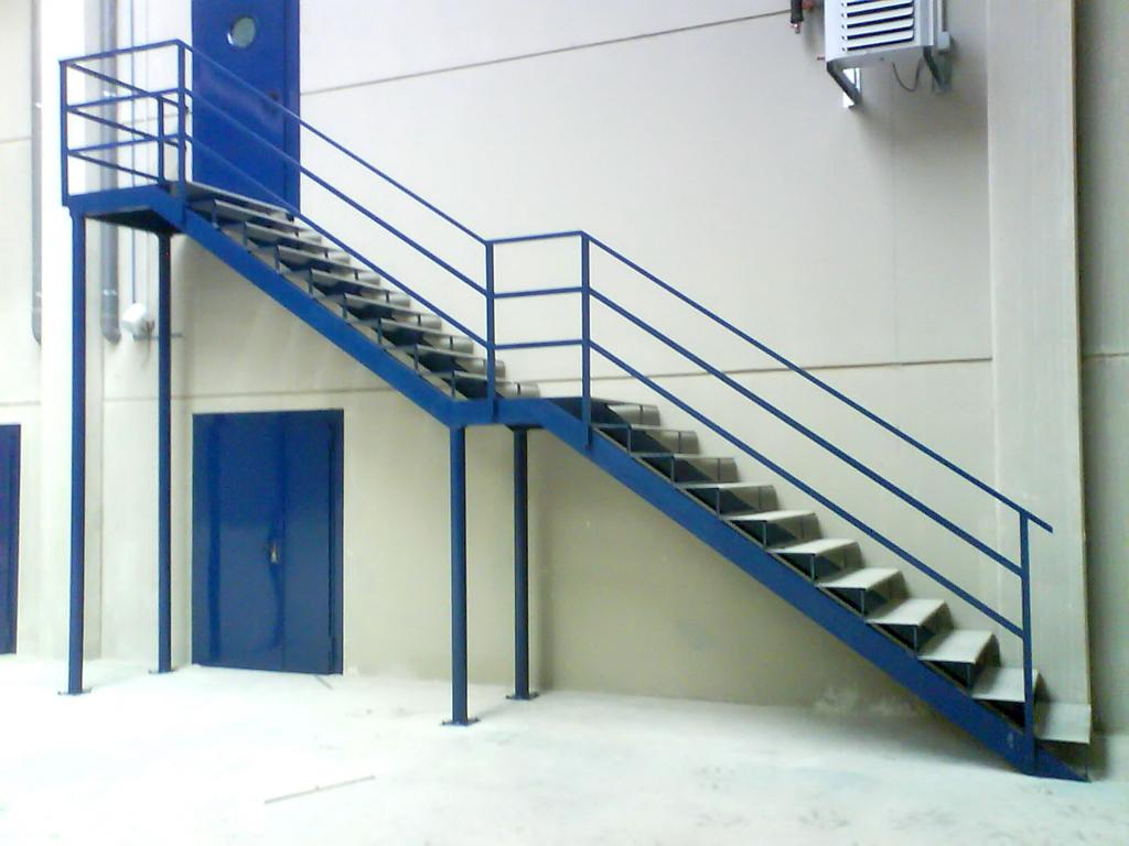 Escaleras para exterior dise os arquitect nicos for Escaleras exteriores